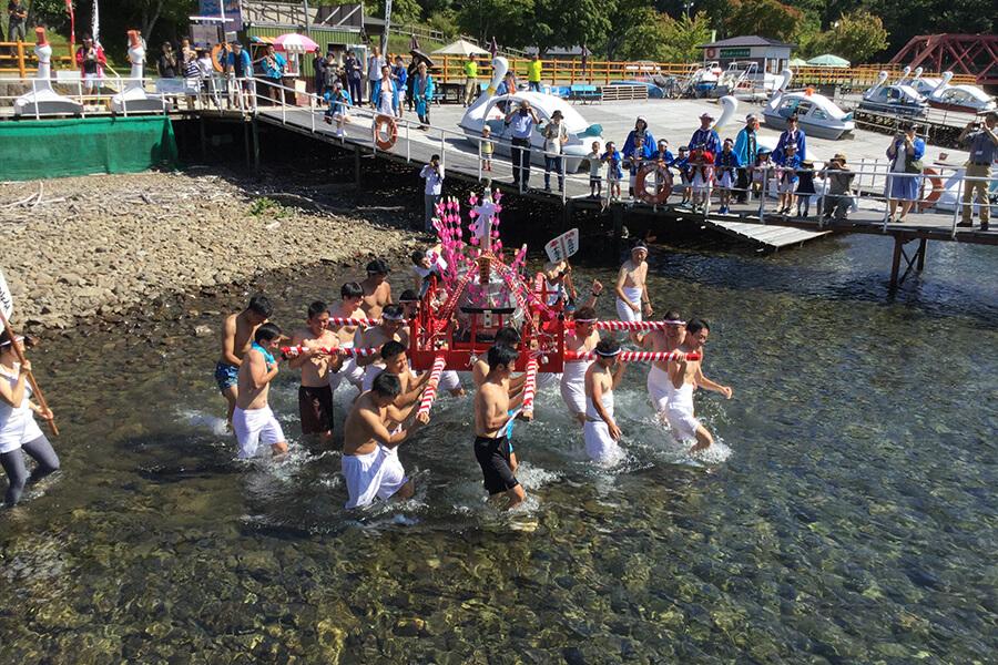 支笏湖神社秋まつり